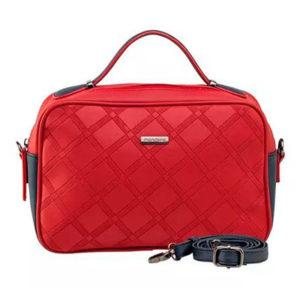 bolsa vermelha 1 300x300 - Tendência: descubra as cores de sapato para o inverno 2018