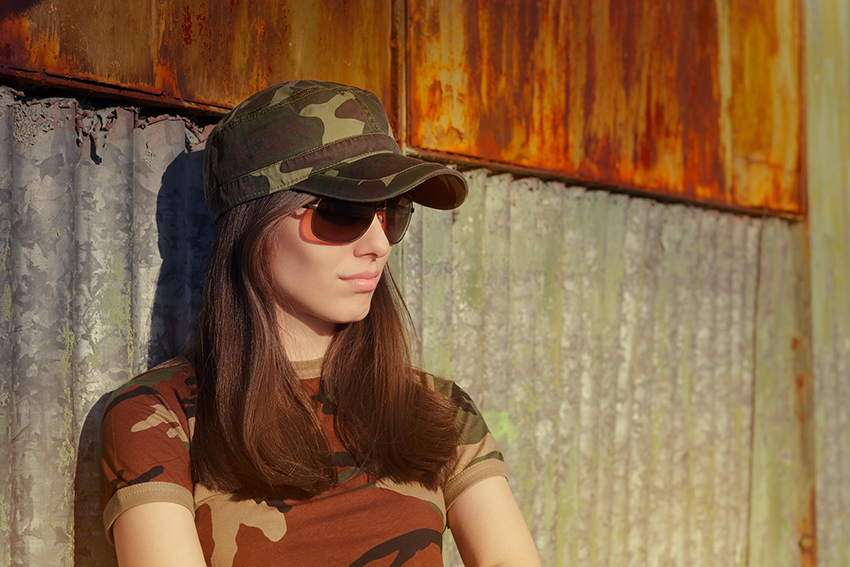iStock 530250013 - Estilo militar: saiba como levar essa pegada para o seu look