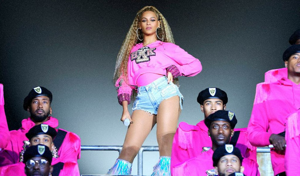 BEYONCE CAPA 3 - Desvendando o look: o estilo de Beyoncé, a diva do pop!