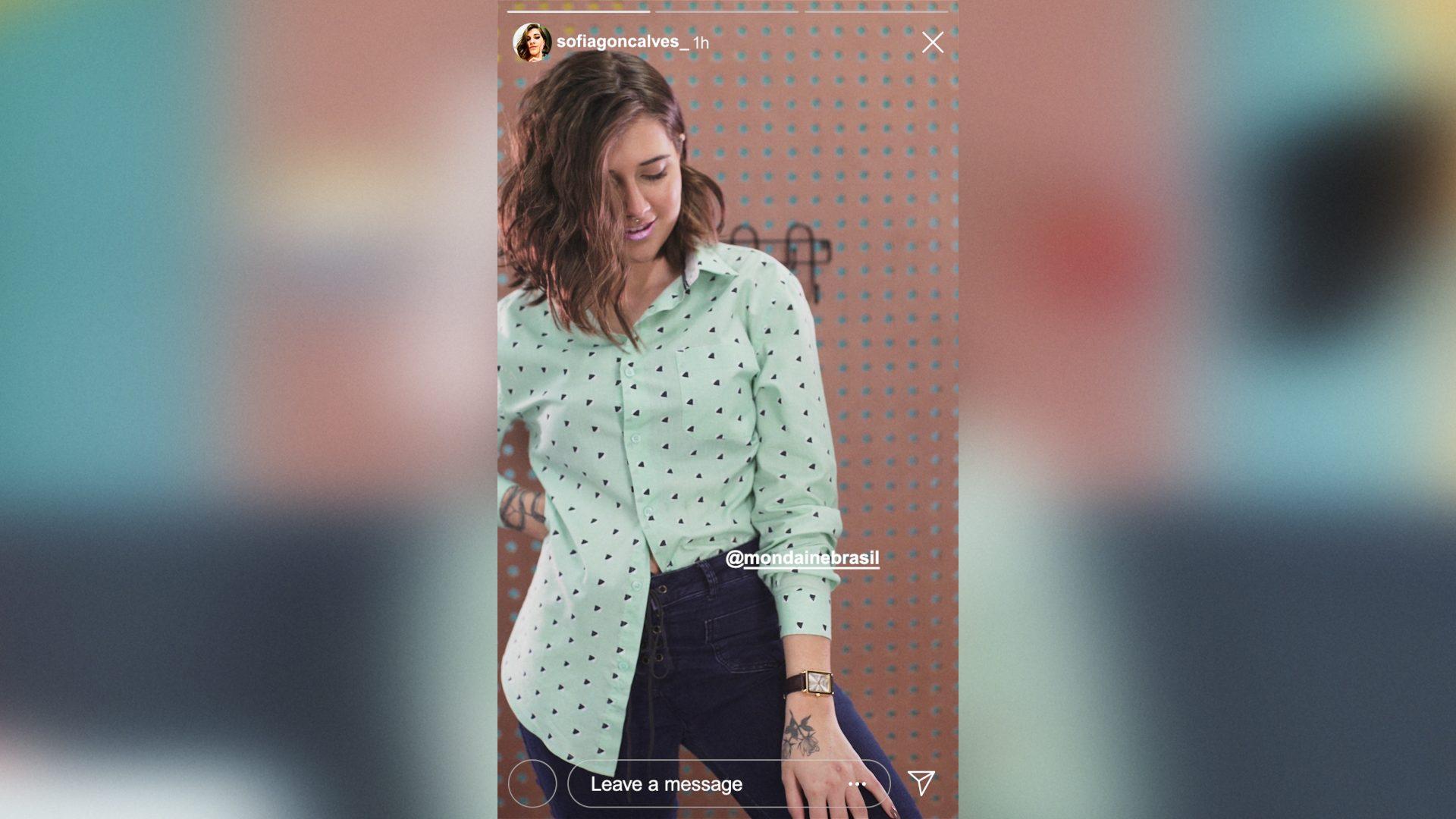PRE EDIT MONDAINE CAMISA BOTAO V01 compressed 1 - Como usar sua camisa de botão de 6 formas BEM diferentes? Veja no vídeo do Ouse Todo Dia!