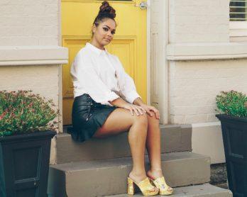 looksaiadecouroverao 348x278 - Look com saia de couro no verão? 5 inspirações para copiar já!