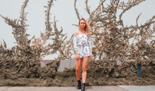 vestidocombota 540x317 - Vestido com bota: a combinação fashionista para testar no verão 2020!
