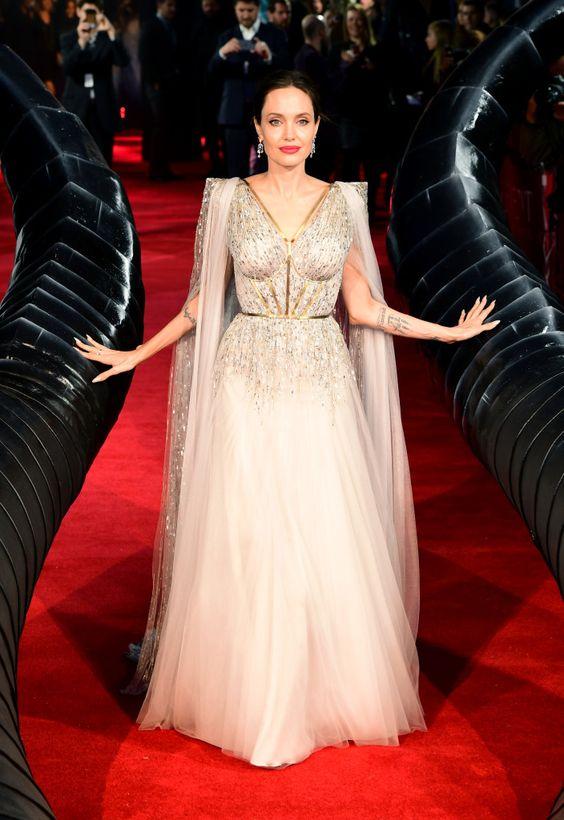 ANGELINA JOLIE LOOK PRINCESA FONTE PINTEREST - Desvendando o estilo de ícones do tapete vermelho. Veja no Ouse Todo Dia
