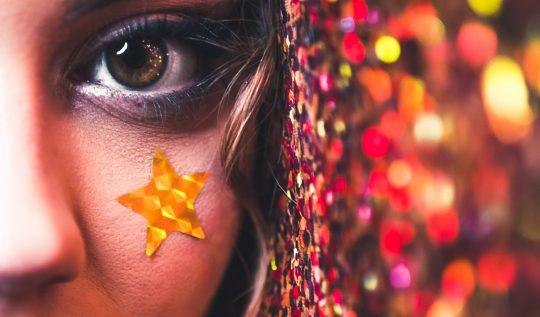 photo1573691166084abf7480a7d91 540x317 - Maquiagem de Carnaval: 5 dicas incríveis para você brilhar muito!