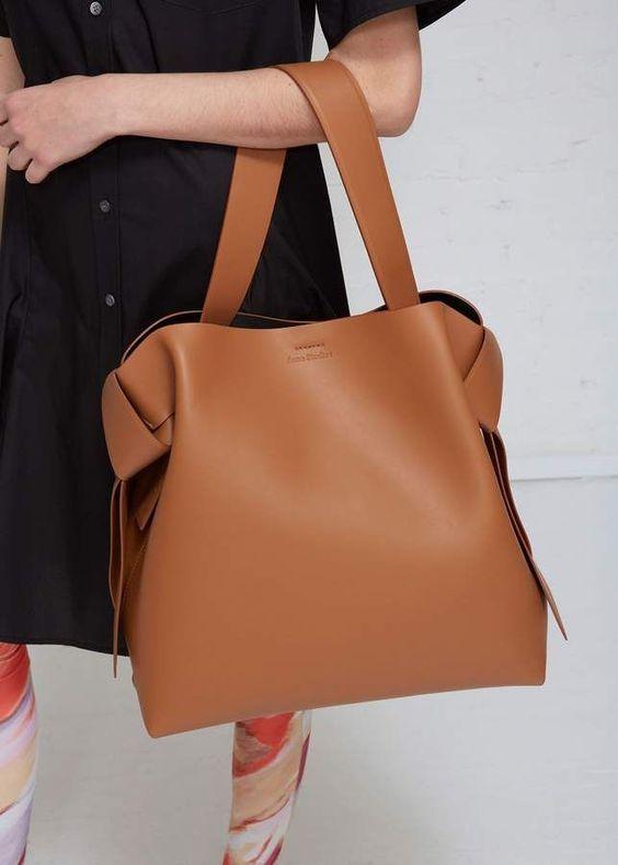 blog4 - Maxi e micro bags: veja como apostar nesses modelos no Ouse Todo Dia!