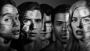 hollywood 1 300x169 - 5 séries leves que retratam temas importantes!