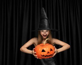 Halloween2020comousaramodaparacurtiradataemgrandeestilo 348x278 - Halloween 2020: como usar a moda para curtir a data em grande estilo?