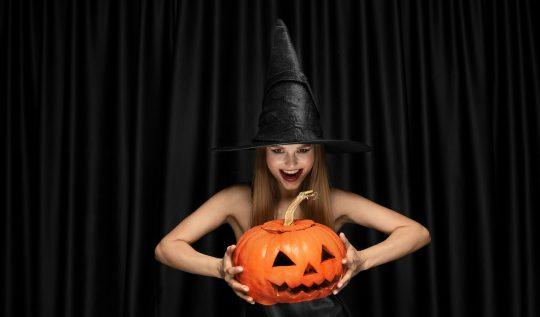 Halloween2020comousaramodaparacurtiradataemgrandeestilo 540x317 - Halloween 2020: como usar a moda para curtir a data em grande estilo?