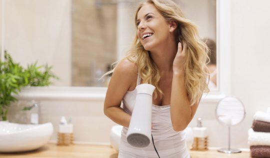 banhodebrilhocaseiro 540x317 - Banho de brilho caseiro: qual a importância e como fazer?