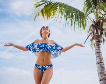modapraia2021 2 348x278 - Moda praia 2021: 5 tendências de beachwear para o verão!