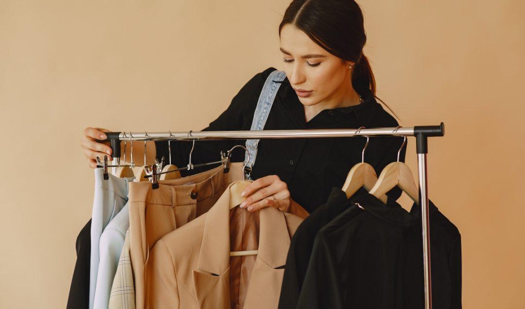 5 peças meia estação obrigatórias em um closet fashion - Escolhendo peças